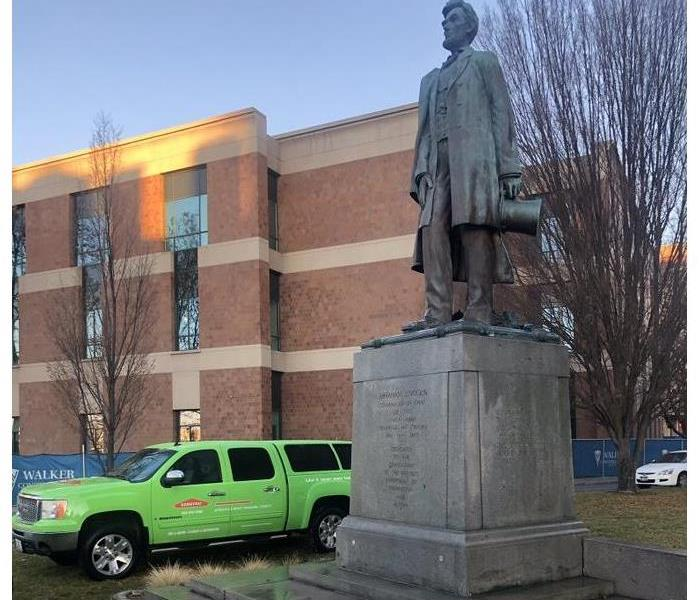SERVPRO restores near me - Image of clean Abraham Lincoln statue